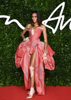 2019 1203 C CLS Fashion Awards 2019 Winnie Harlow in Andreas Kronthaler for Vivienne Westwood spring summer 2020 and Roger Vivier pumps