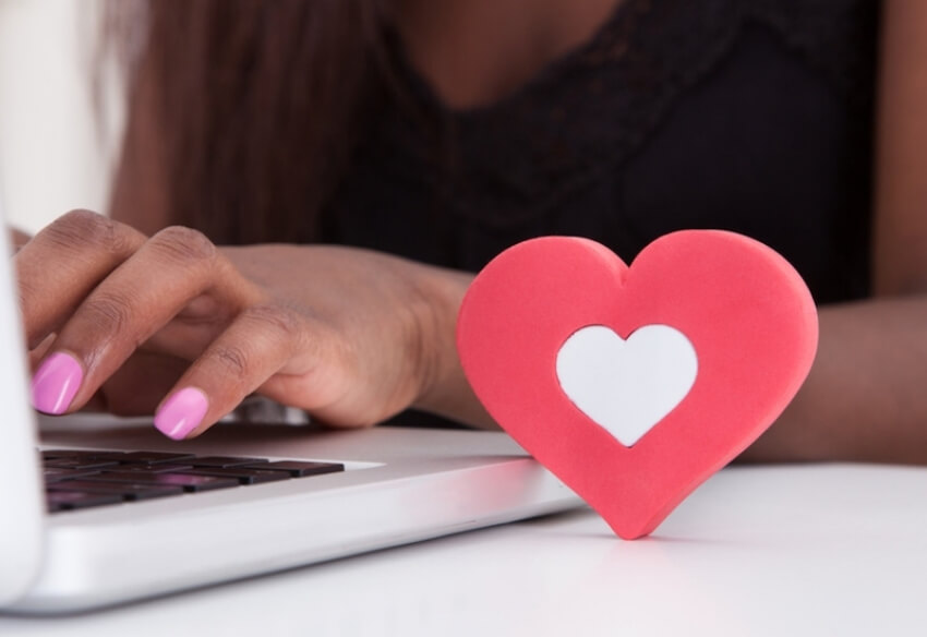 How To Write A Phenomenal Online Dating Profile That Will Get You Noticed